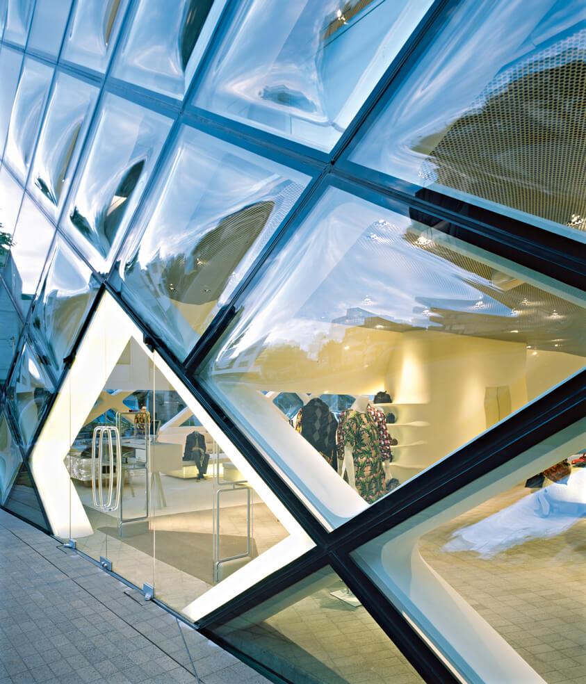 Asia Interiors & Contract Business Area Prada Aoyama Epicenter Project